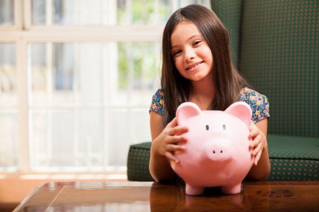 Cómo enseñar a los niños a ahorrar