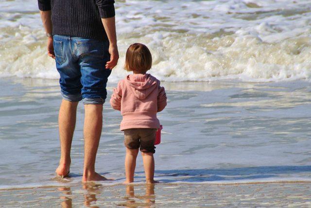 criando niños amorosos y solidarios